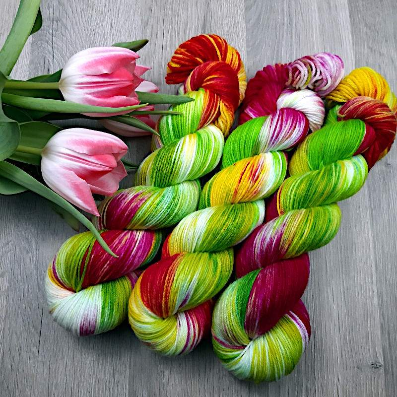 Luxus Merino HighTwist Crazy Flower handgefärbte Wolle