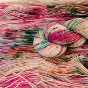 Blütendüft handgefärbte Sockenwolle