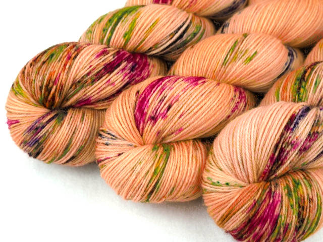 ApricotSplash Luxus HighTwist handgefärbt handdyed sock yarn