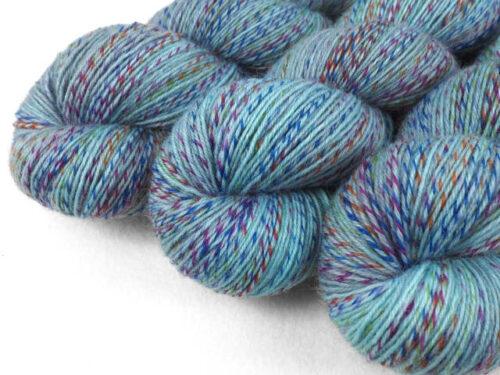 LikeTheWind SpunArt Sockenwolle Tuchwolle handgefärbt hand dyed