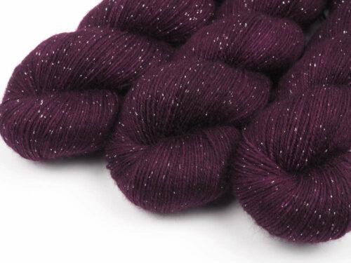 Cabernet handgefärbt Sockenwolle Silbereffekt handdyed sock yarn